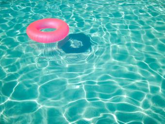 swimming_pool_floaties